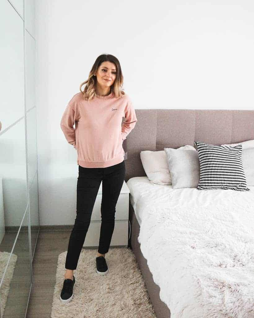 sweatshirt outfit with black bottom