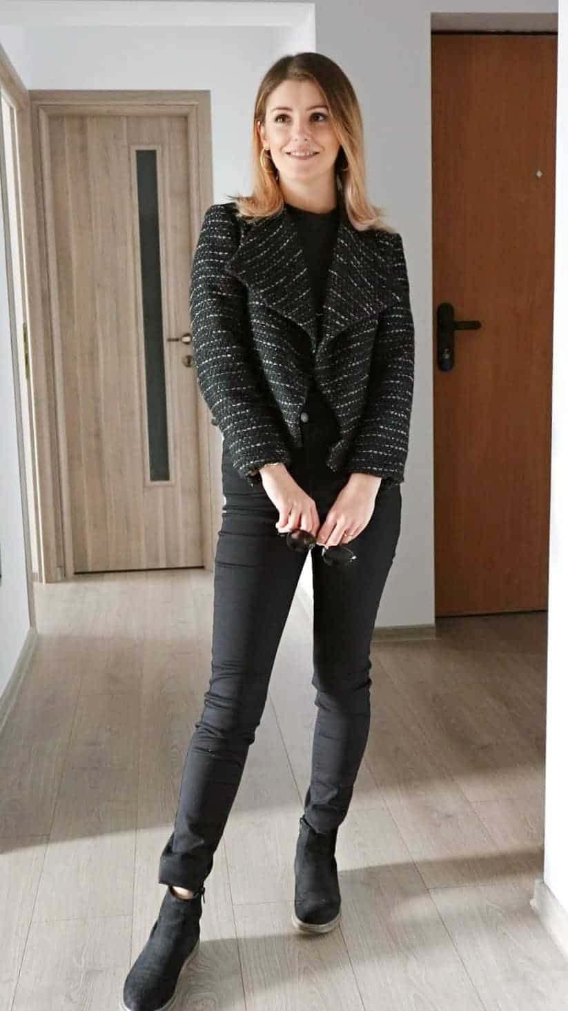 all black textured tweed jacket outfit for fall with black jeans