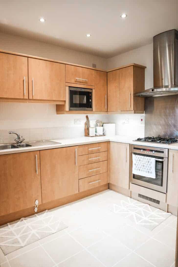 minimalist rental kitchen makeover