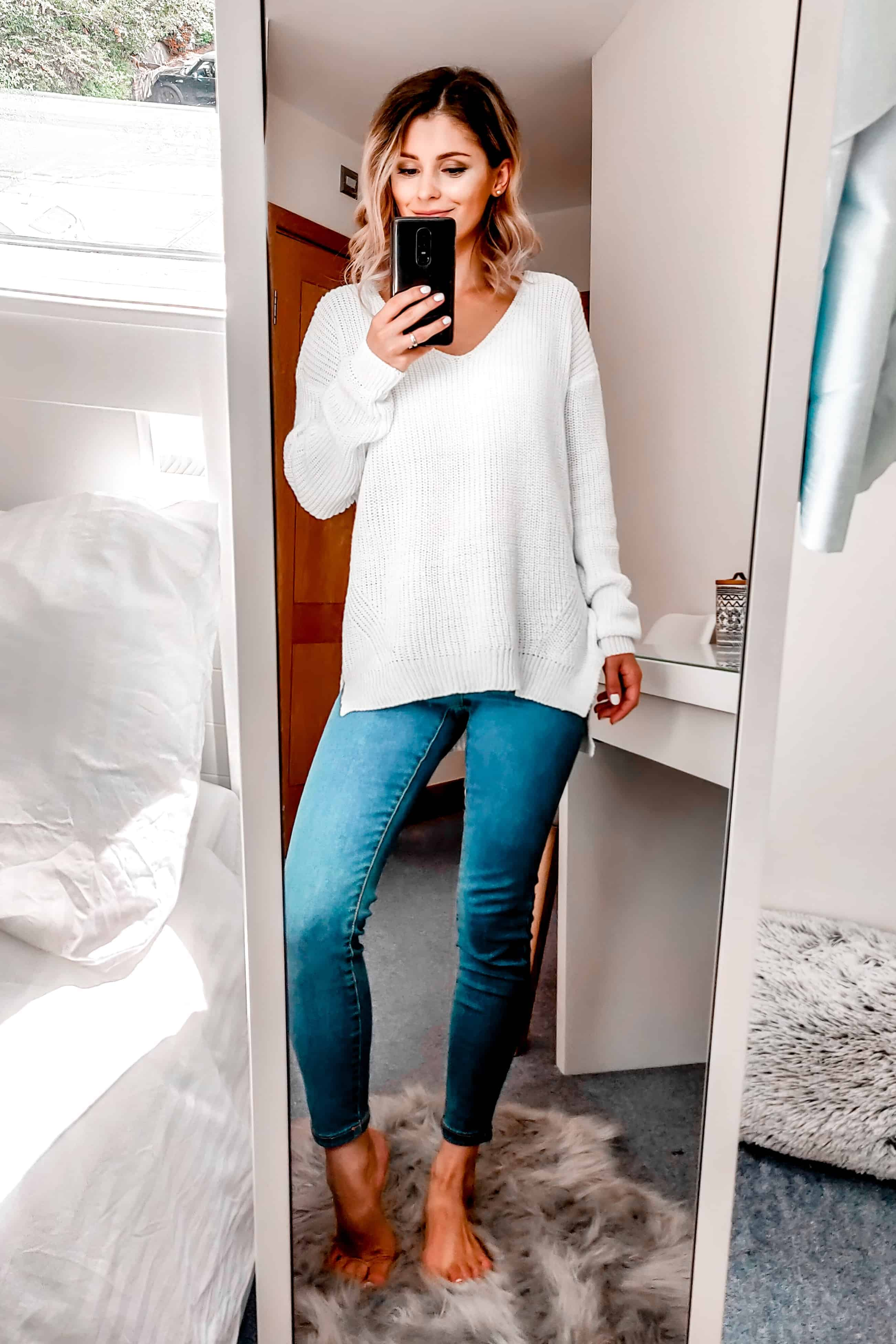 white sweater with jeans autumn basic outfit
