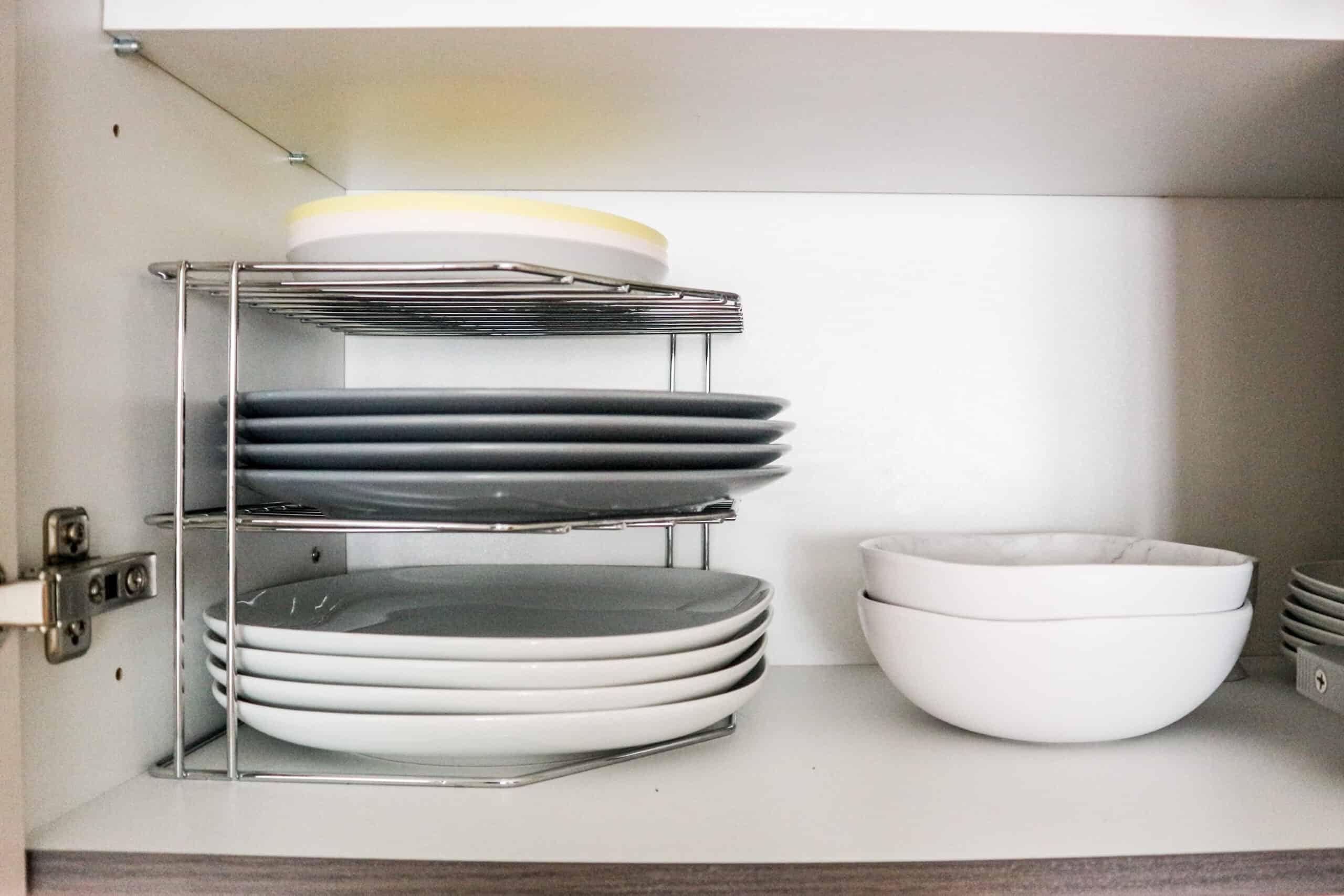 How to organize plates storage tips