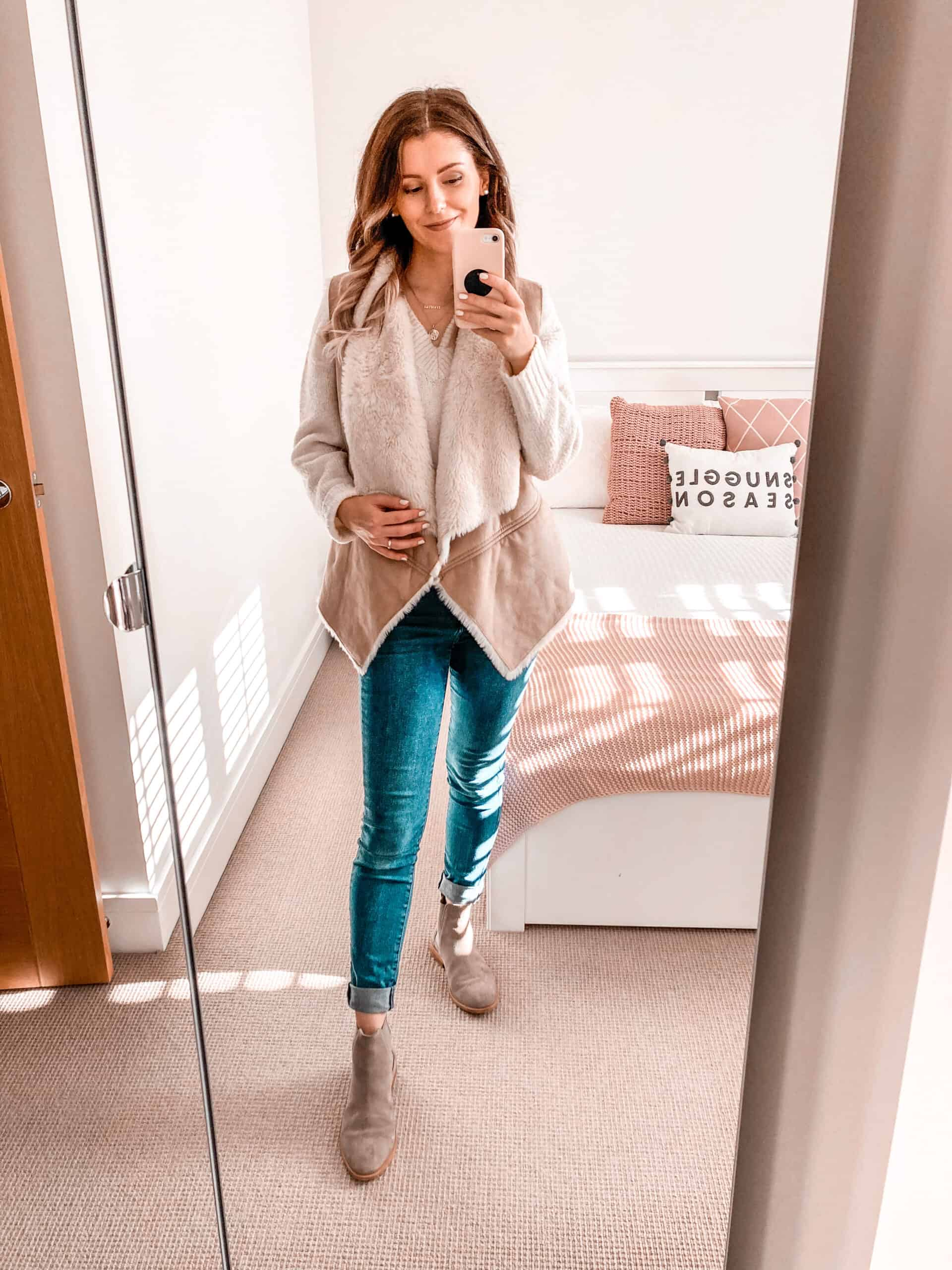 Faux fur vest gilet oversized knitwear tan chelsea boots fall outfit